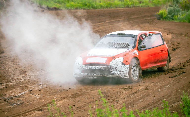 rally on dirt track